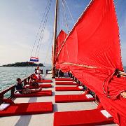 蘇梅島紅男爵號復古紅帆船帕岸島一日遊
