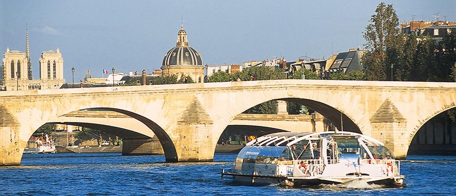 巴黎塞納河隨上隨下遊船觀光巴士,塞納河遊船時間,塞納河遊船