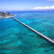 [特價大促]沖繩北部萬座毛+古宇利島+美麗海水族館+美國村經典一日遊