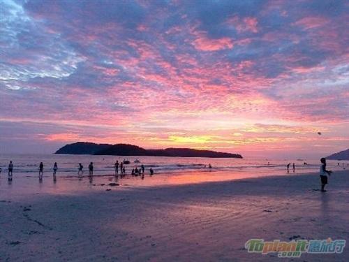 【蘭卡威】最佳的娛樂聚集點-Pantai Cenang(真浪海灘)