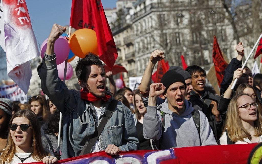15萬法國學生上街抗議《勞動法》改革...